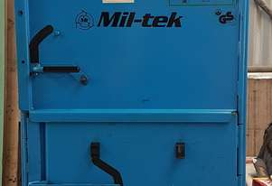 Compactor for waste material Requires compressed air