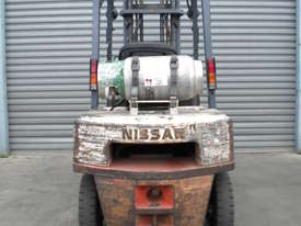NISSAN FORKLIFT 2.5T - LPG, SIDE SHIFT - picture2' - Click to enlarge