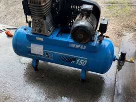 ABAC 5.5HP 3 Phase Air compressor - picture0' - Click to enlarge