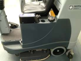 NILFISK BR855 scrubber - picture1' - Click to enlarge