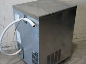 30kg/24Hr Ice Maker Machine - Scotsman IM0032SSC - picture3' - Click to enlarge