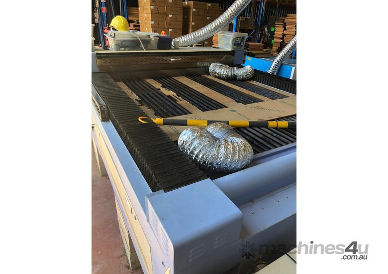 Used Flat-Bed CO2 Laser Cutting Machine