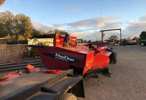 MacDon R85 Mower Conditioner Hay/Forage Equip