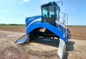 Backhus    A36 Windrow Turner