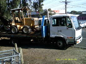 MK 235 ,  tilt / slide tray , 235hp AUTO , 326,000 kms , - picture2' - Click to enlarge