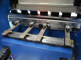 MACHTECH Synchro SPB 40-1500 CNC4 Pressbrake - picture1' - Click to enlarge