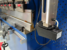 MACHTECH Synchro SPB 40-1500 CNC4 Pressbrake - picture6' - Click to enlarge
