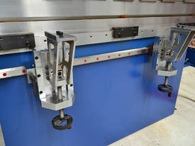 MACHTECH Synchro SPB 40-1500 CNC4 Pressbrake - picture8' - Click to enlarge