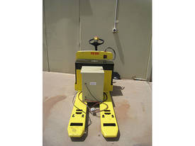 2004 Hyster Electric Pallet Truck - picture2' - Click to enlarge