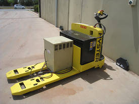 2004 Hyster Electric Pallet Truck