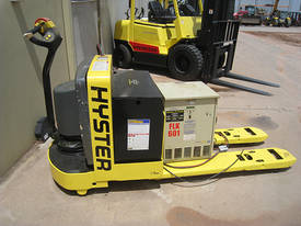 2004 Hyster Electric Pallet Truck - picture3' - Click to enlarge