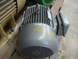 TECO 15HP 3 PHASE ELECTRIC MOTOR/ 1465RPM - picture3' - Click to enlarge