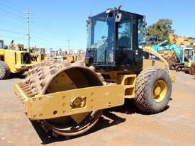 Caterpillar CS-533E P/F Roller *CONDITIONS APPLY*