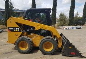 USED CAT 236D WITH ALL OPTIONS AND LOW 390 HOURS.