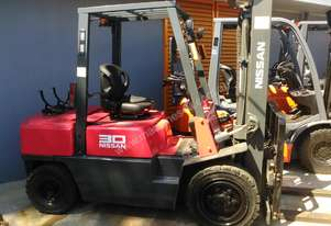 Nissan Forklift 3 Ton 3000mm Lift Height Fresh Paint