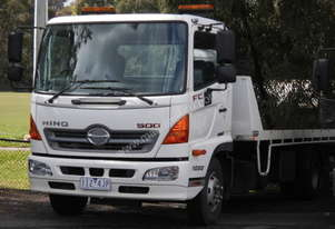 fc 1022 hino tilt slide tray , 2012 , 210,000kms , 2nd hitch , remotes