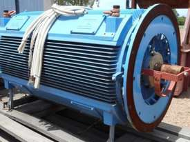 800 kw 8 pole 415 v AC Electric Motor - picture0' - Click to enlarge