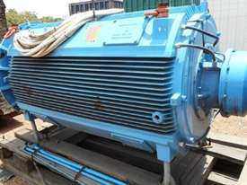 800 kw 8 pole 415 v AC Electric Motor - picture3' - Click to enlarge