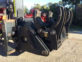 Manitou CH-10 Cylinder Handler - picture0' - Click to enlarge