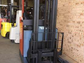 TOYOTA BT Reach Truck 1.4ton 5.4m Side Shift Low 6000 HRs 2010 Roll Out Batt A1! - picture2' - Click to enlarge