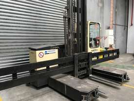 Hubtex MQ35 Reach Forklift Forklift - picture2' - Click to enlarge