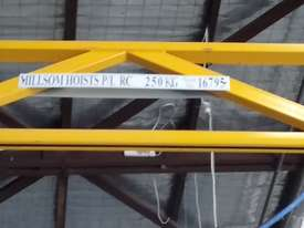 Jib Crane 250Kg - picture1' - Click to enlarge