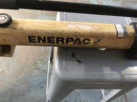 Enerpac Two Speed Hydraulic Hand Pump Porta Power P392 10000 PSI - picture1' - Click to enlarge