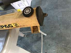 Enerpac Two Speed Hydraulic Hand Pump Porta Power P392 10000 PSI - picture2' - Click to enlarge