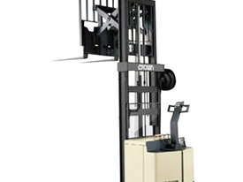 Crown 1.5T Walkie Reach Stacker Forklift with 4.2m lift FOR SALE - picture0' - Click to enlarge
