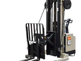 Crown 1.5T Walkie Reach Stacker Forklift with 4.2m lift FOR SALE - picture2' - Click to enlarge