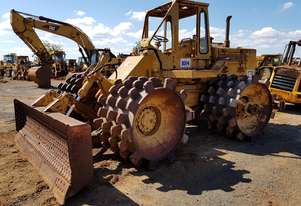 1974 Caterpillar 814 Compactor *CONDITIONS APPLY*