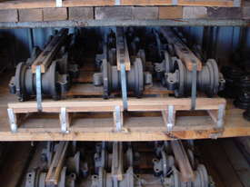 Track Roller Komatsu PC75UU-1 - picture1' - Click to enlarge