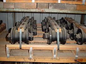 Track Roller Komatsu PC75UU-1 - picture2' - Click to enlarge