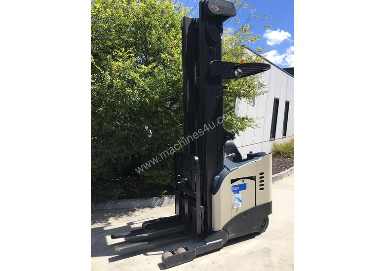 2.0T Battery Electric Stand Up Reach Truck