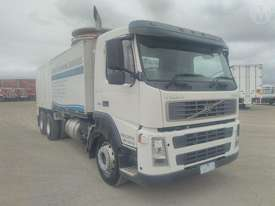 Volvo FM9 300 DCS Combo Drain - picture0' - Click to enlarge