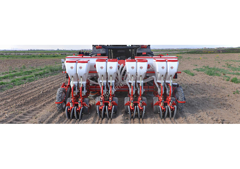 2019 AGROMASTER D6X2 TWIN ROW PNEUMATIC PLANTER