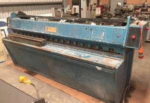 Used Edwards 2550mm x 4mm Hydraulic Guillotine