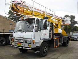 Mitsubushi 6 Cyclinder Diesel Cherrypicker - picture0' - Click to enlarge