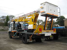 Mitsubushi 6 Cyclinder Diesel Cherrypicker - picture1' - Click to enlarge