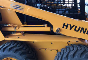 2017 Hyundai HSL850-7A Skid Steer, only 300hrs - MS617