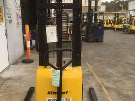 Ex Demo Semi-Electric Walkie Stacker - picture1' - Click to enlarge
