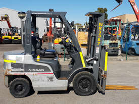 Nissan 2500kg Diesel Forklift with 4750mm Three Stage Mast & Side-Shift - picture0' - Click to enlarge