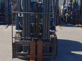 Nissan 2500kg Diesel Forklift with 4750mm Three Stage Mast & Side-Shift - picture1' - Click to enlarge