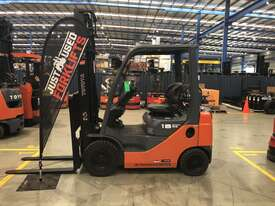 TOYOTA 32-8FG18 33298 1.8 TON 1800 KG CAPACITY LPG GAS FORKLIFT 4000 MM 2 STAGE - picture1' - Click to enlarge