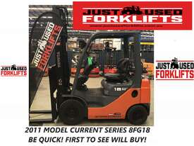 TOYOTA 32-8FG18 33298 1.8 TON 1800 KG CAPACITY LPG GAS FORKLIFT 4000 MM 2 STAGE - picture0' - Click to enlarge