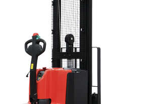 Noblelift Straddle Leg, Long Tiller Electric Walkie Stacker