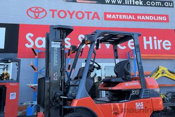 Toyota 3.0TON Electric Forklift For Sale