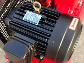 BOSS 52CFM/ 10HP AIR COMPRESSOR (300L TANK) - picture3' - Click to enlarge