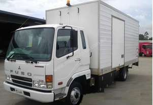 2006 MITSUBISHI FUSO FIGHTER Cab Chassis