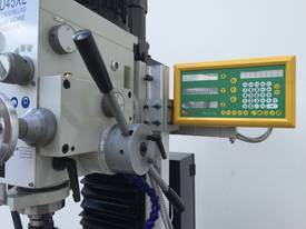Geared Head Mill Drill With 2 Axis Digital Readout - picture2' - Click to enlarge
